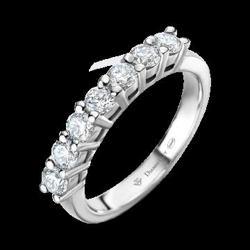 Anillo de oro blanco con diamantes 0,70 ct.
